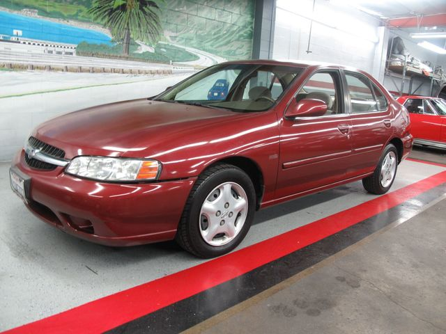 ... 2001 Nissan Altima GXE ...