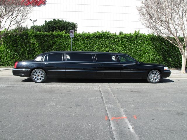 Used 2006 Lincoln Town Car Executive Wlimousine Pkg At Aaa Motor Cars